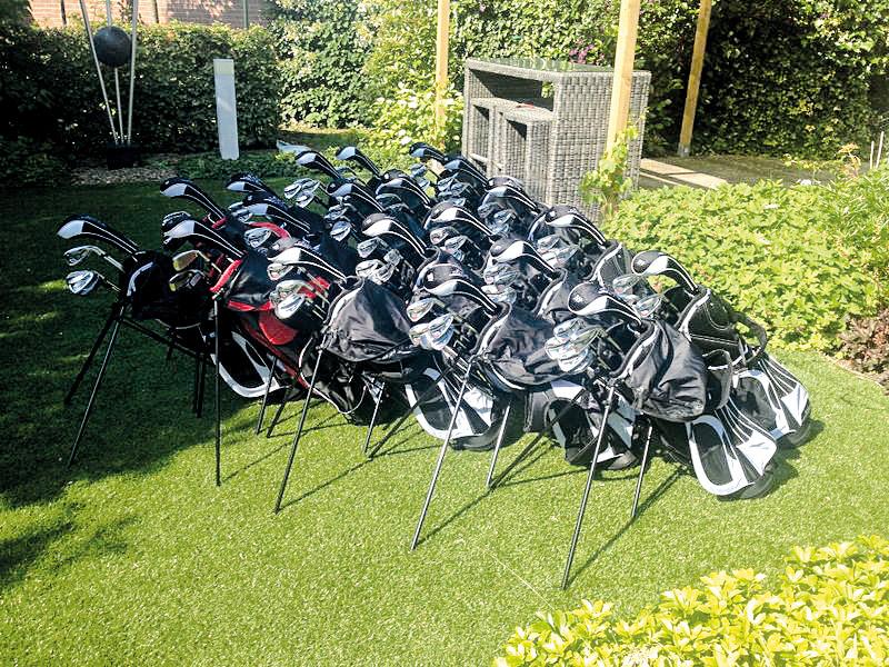 Golfset bij sponsoring
